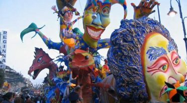 Gran Carnevale di Maiori 2017 con i carri allegorici
