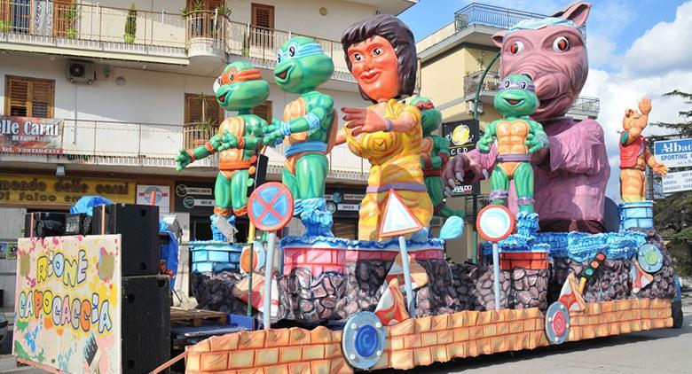 Carnevale di Saviano 2017 con carri allegorici, eventi ed artisti di strada