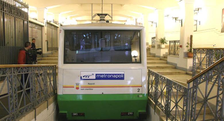 Sciopero metropolitana linea 1, bus e funicolari a Napoli 10 febbraio 2017