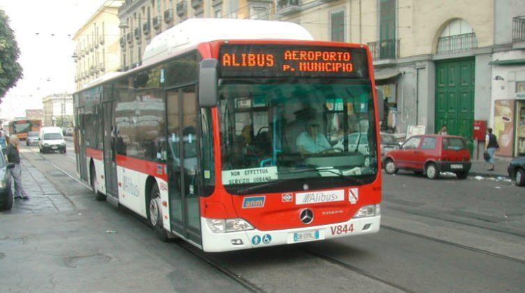 il servizio alibus aggiunge due nuove fermate al porto di napoli