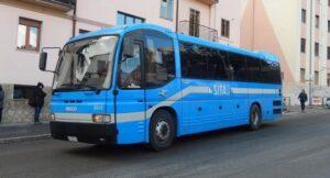 سورينتو نابولي حافلة إلى مونتي سانت أنجيلو