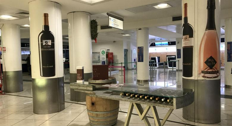 Wine & flight all'aeroporto di Capodichino a Napoli