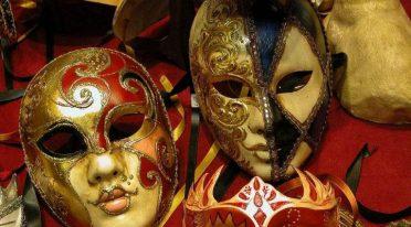 CarnevalEpomeo per Carnevale 2017 a Napoli tra contemporaneo e memoria storica