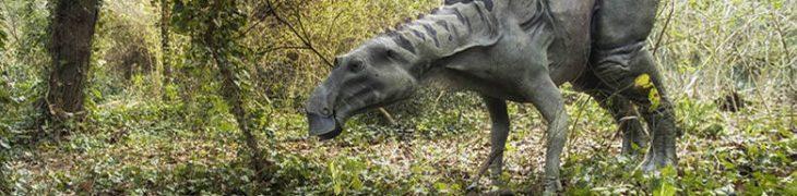 Dinosauri in carne e ossa in mostra alla riserva degli Astroni a Napoli