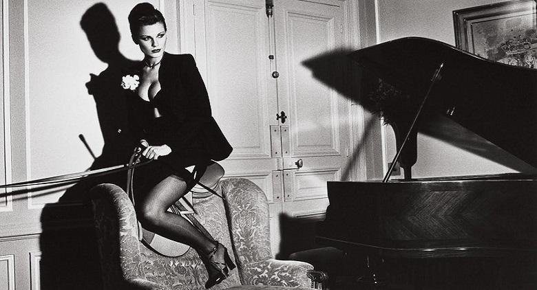 La mostra del fotografo Helmut Newton al Palazzo Arti di Napoli
