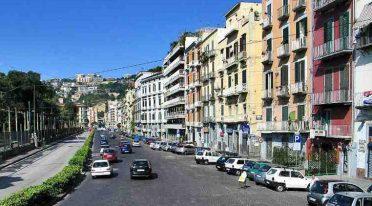 Se comenzó a trabajar en la Riviera de Chiaia para la estación San Pasquale de la línea de metro 6