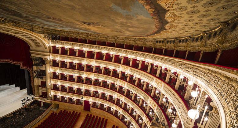 Serenate d'amore al Teatro San Carlo di Napoli per San Valentino 2017