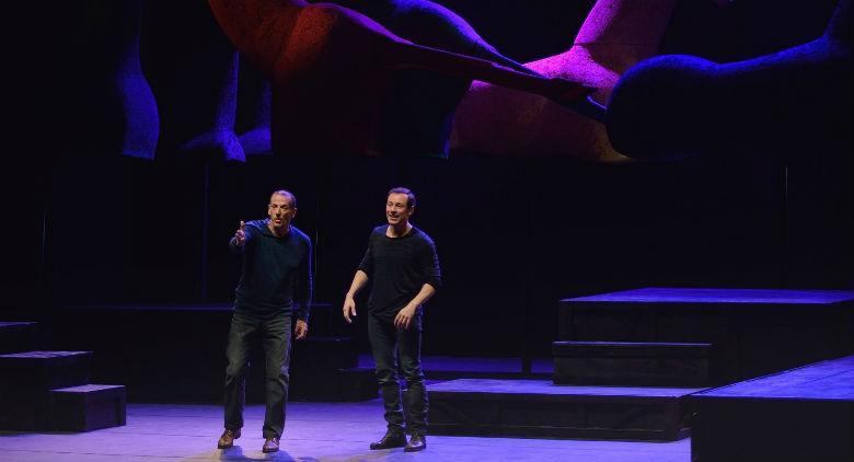 Stefano Accorsi e Marco Baliani in scena al Teatro Bellini di Napoli con Gicoando con Orlando