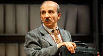 Il Pomo della discordi di Carlo Buccirosso al Teatro Diana di Napoli