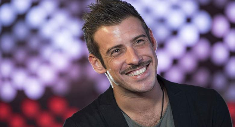 Francesco Gabbani in concerto all'Arenile di Napoli