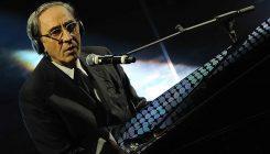 Franco Battiato in concerto gratuito a Napoli in Piazza del Plebiscito