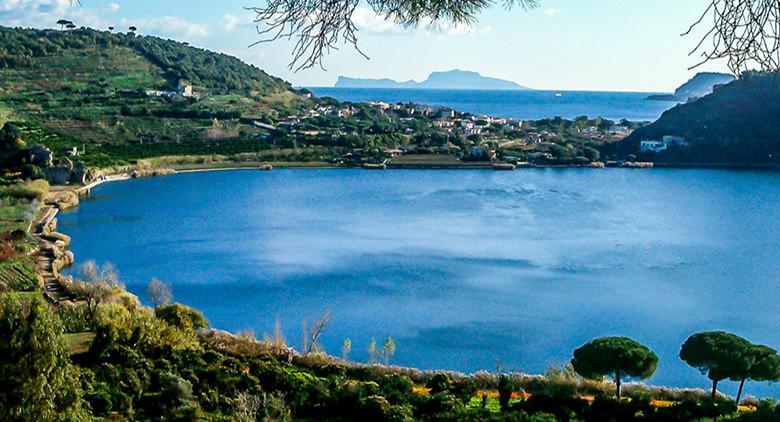 Al Lago d'Averno a Pozzuoli si svolgerà la Festa per l'Equinozio di Primavera