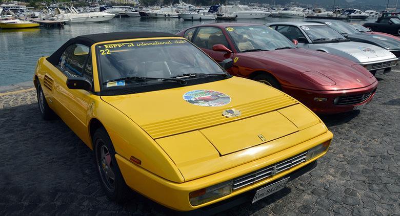 A Bacoli il Raduno di auto storiche e Ferrari
