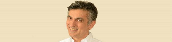 Vincenzo Salemme al Teatro Diana di Napoli: va in scena Con Tutto il Cuore