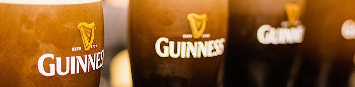Boccali di Guinness per San Patrizio 2017 a Napoli
