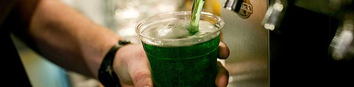Per San Patrizio a Napoli fiumi di birra verde