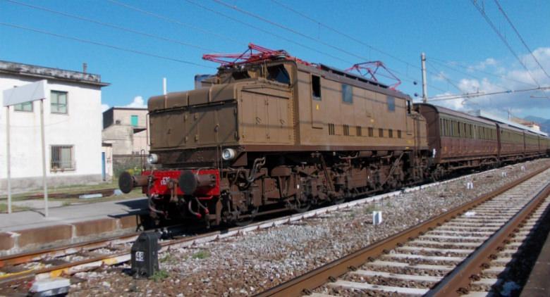 Pietrarsa Express, le date del 2017 per raggiungere il museo ferroviario con un treno d'epoca