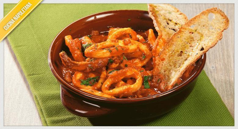 La ricetta dei calamari in cassuola alla napoletana