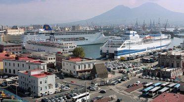 Bus gratuito circolare nel Porto di Napoli