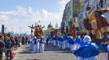 Pasqua e Pasquetta 2017 a Procida con la Processione del Venerdì Santo