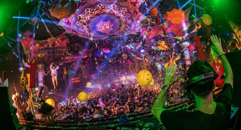 1 maggio 2017 all'arenile di bagnoli con elrow bollywood party