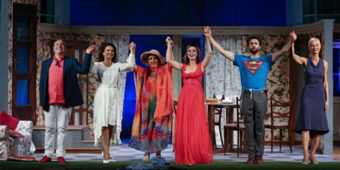 Serena Autieri e Tosca D'Aquino in Ingresso Indipendente al Teatro Diana di Napoli