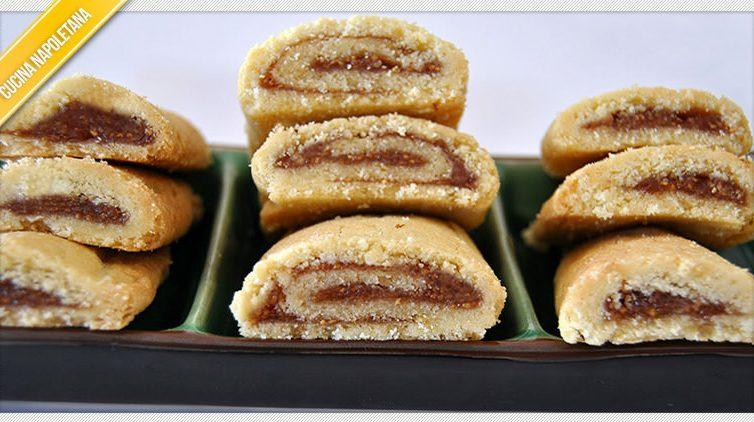 I passaggi della ricetta dei biscotti alla marmellata di fichi