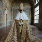 """Al Palazzo reale di Napoli in anteprima """"Young Pope-la mostra"""" con le fotografie di Gianni Fiorito"""