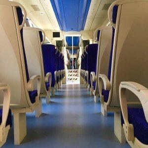 Interno del nuovo treno della Cumana