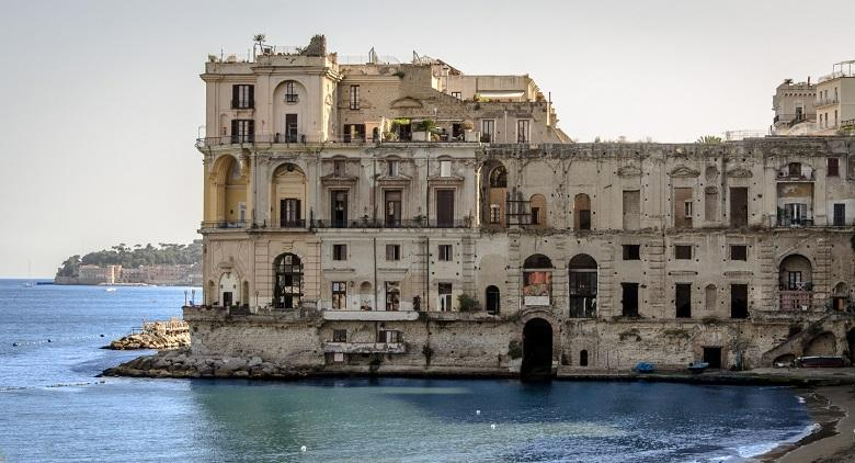 Extraordinary guided tour of the Palazzo Donn'Anna in Posillipo