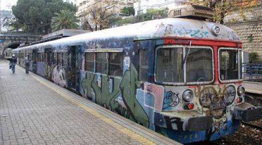Treno della Cumana a Napoli
