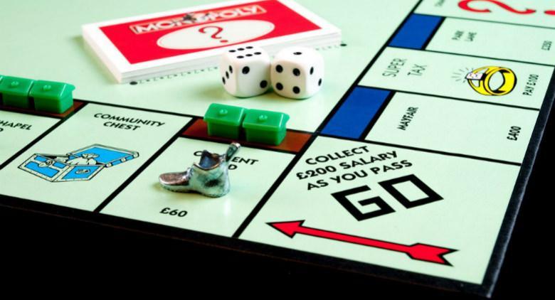 a napoli monopoly live tra le strade della città