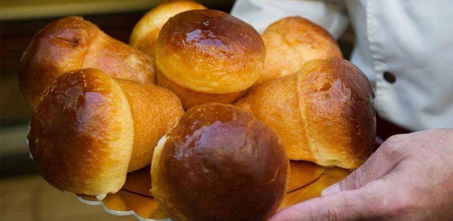 Le babàs de la pâtisserie Capparelli à Naples