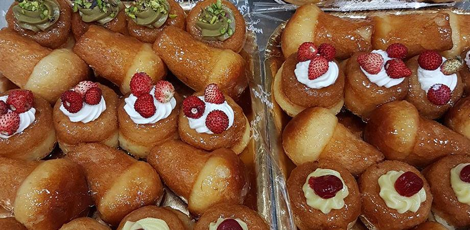 The babà of Mignone Pastry in Naples