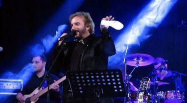 Concerto di Tony Tammaro a Napoli all'Arenile di Bagnoli