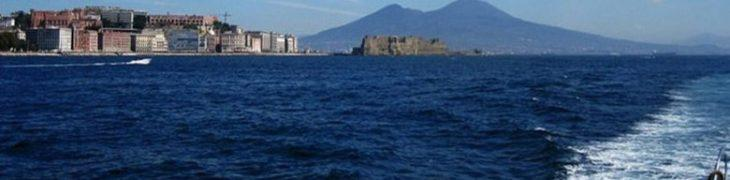 Batò Naples to Naples, boat to admire the coast from the sea