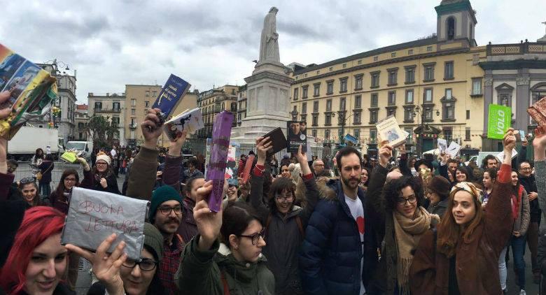 Book Mob in Piazza Dante a Napoli, torna lo scambio di libri