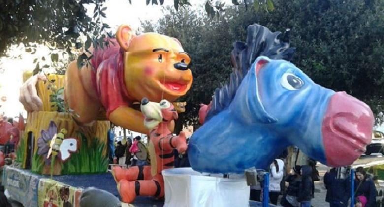 Carro allegorico al Carnevale estivo di Torre del Greco