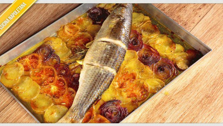 Cefalo al forno con patate, ricetta di cucina napoletana