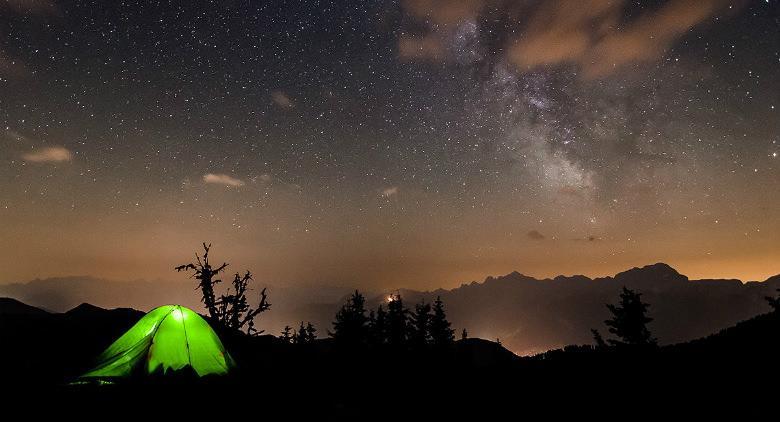 Tenda sotto le stelle, osservazione del cielo nel bosco di Capua