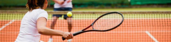Partita di tennis allo Smash Village di Napoli