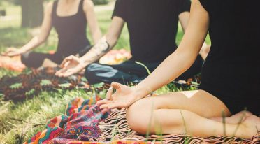 Yoga nei giardini della Reggia di Caserta