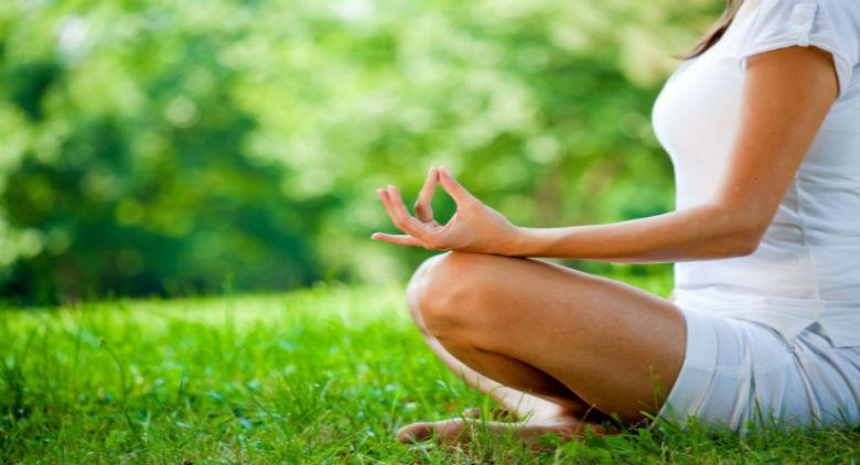 Lezione gratuita di yoga allo Yoga day 2017 al Bosco di Capodimonte a Napoli