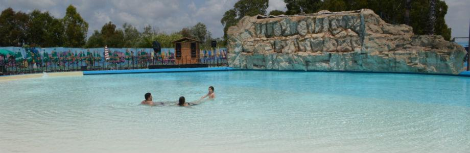 Laguna Grande, una delle piscine di Ditellandia a Mondragone