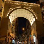 Ponte di Chiaia illluminato