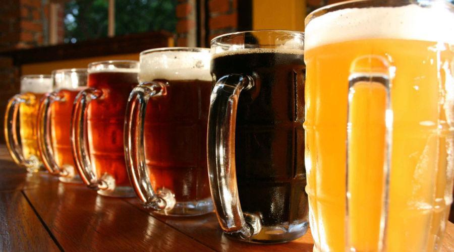 Boccali di birra per il Beer Fest 2017 a Marcianise, festa della birra artigianale