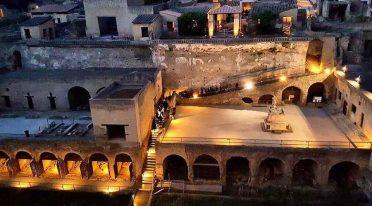 Ausgrabungen von Herculaneum öffnen nachts bei 2 Euro