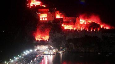 Incendio del Castello Aragonese per la Festa di Sant'Anna ad Ischia