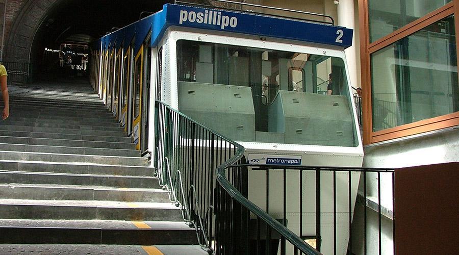 Funicolare di Chiaia e Metro linea 1 Napoli, sospeso prolungamento 1 luglio
