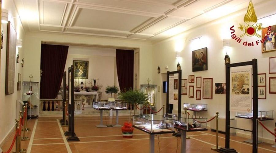Museo dei Vigili del Fuoco a Napoli con foto e cimeli storici